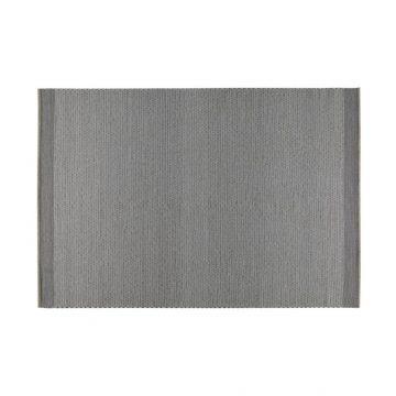 Handvävd matta i kvalitetsull